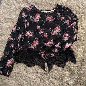 🌺Beautiful floral blouse